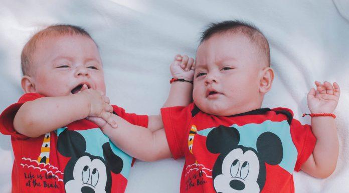 Majka prodala svoje novorođene blizance kako bi otplatila dug i kupila novi mobitel