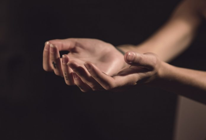Ako ste bolesni i očajni, Bog želi da znate ove 4 istine o iscjeljenju