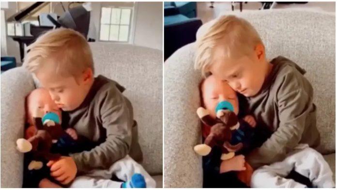 Dala je uplakanu bebu dječaku s Downovim sindromom - ugledala je čudo