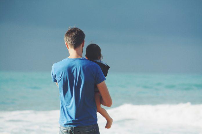 Rođenje djeteta mijenja očevo tijelo i mozak, tvrde znanstvenici