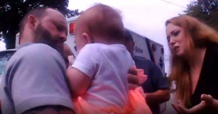Policajac herojski spasio 4-mjesečnu bebu od gušenja