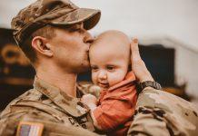 Tata će zauvijek pamtiti svoj prvi susret sa malenim sinom