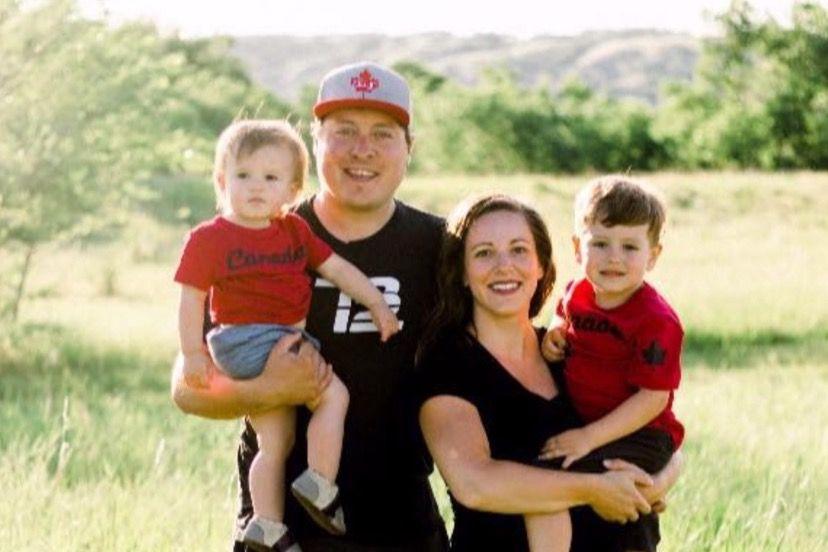 Iza fotografije obitelji objavljene na Facebooku krije se tužna priča 2