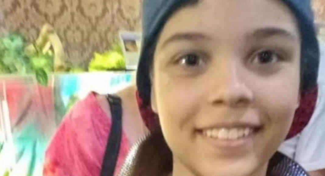 Učenica skočila s 4. kata škole, bori se za život