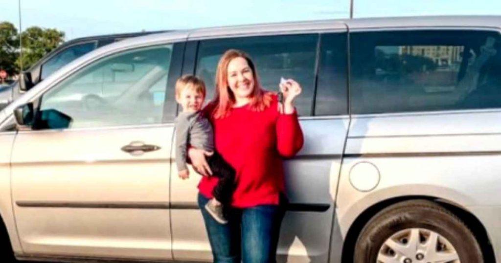 Crkva kupila automobil roditeljima djevojčice s invaliditetom