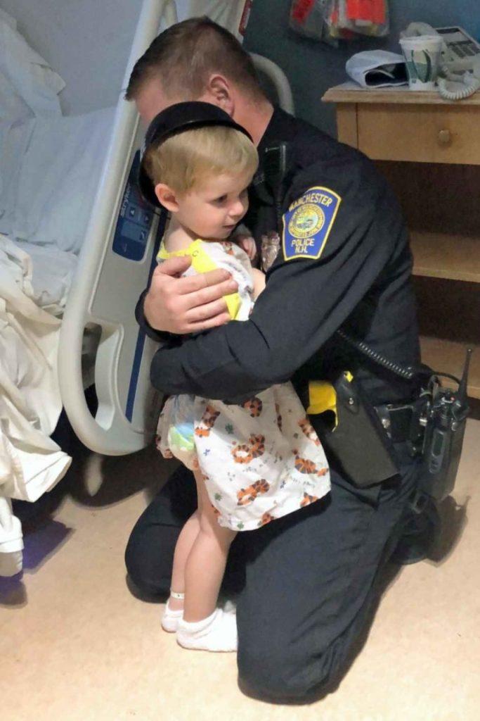 Policajac ispunio želju malenog pacijenta