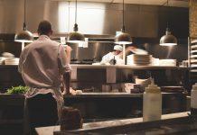 Djelatnik poznatog restorana godinama u porcije stavljao ''iznenađenja''