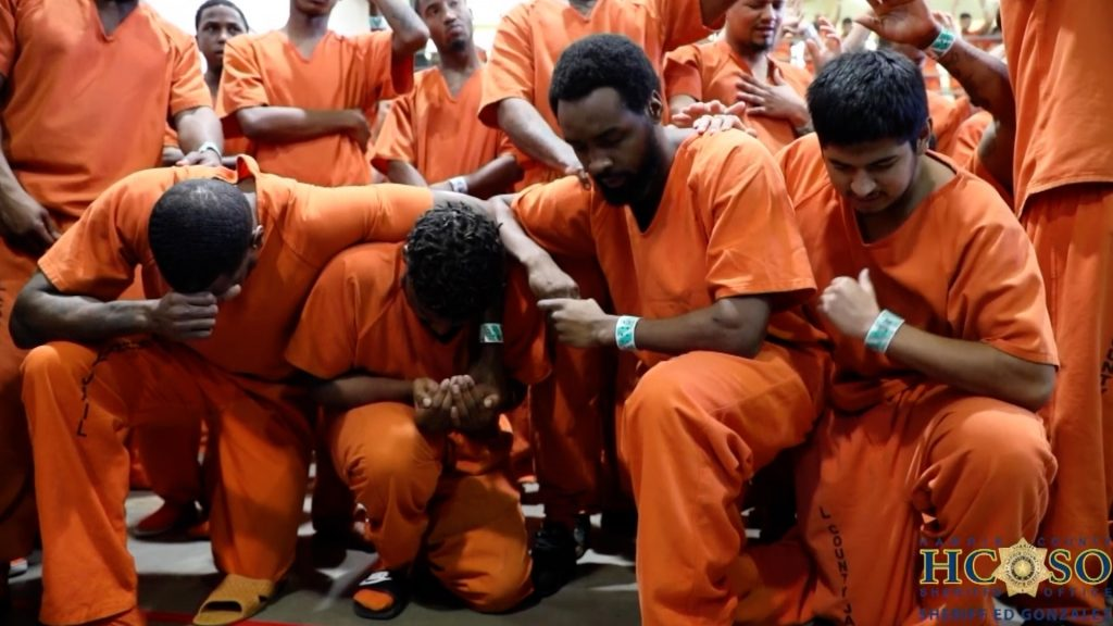 Kanye West rasplakao zatvorenike zloglasnog zatvora 1