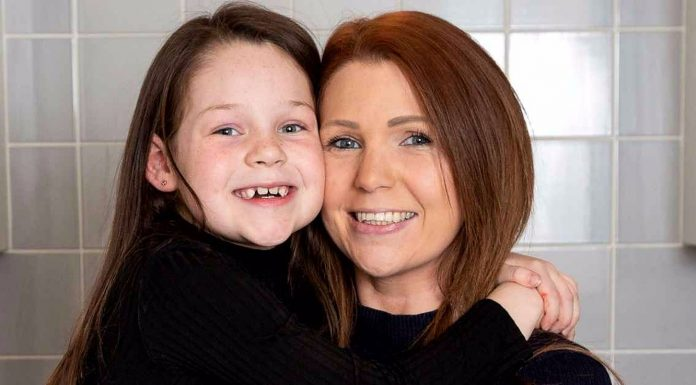 Djevojčica (7) spasila mami život uz pomoć videa s YouTubea