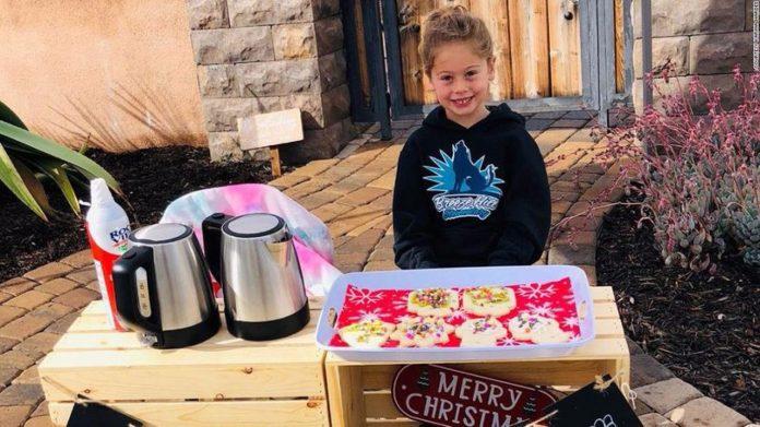 Djevojčica (5) skupila novac kako bi platila dug za obroke 123 učenika u svojoj školi