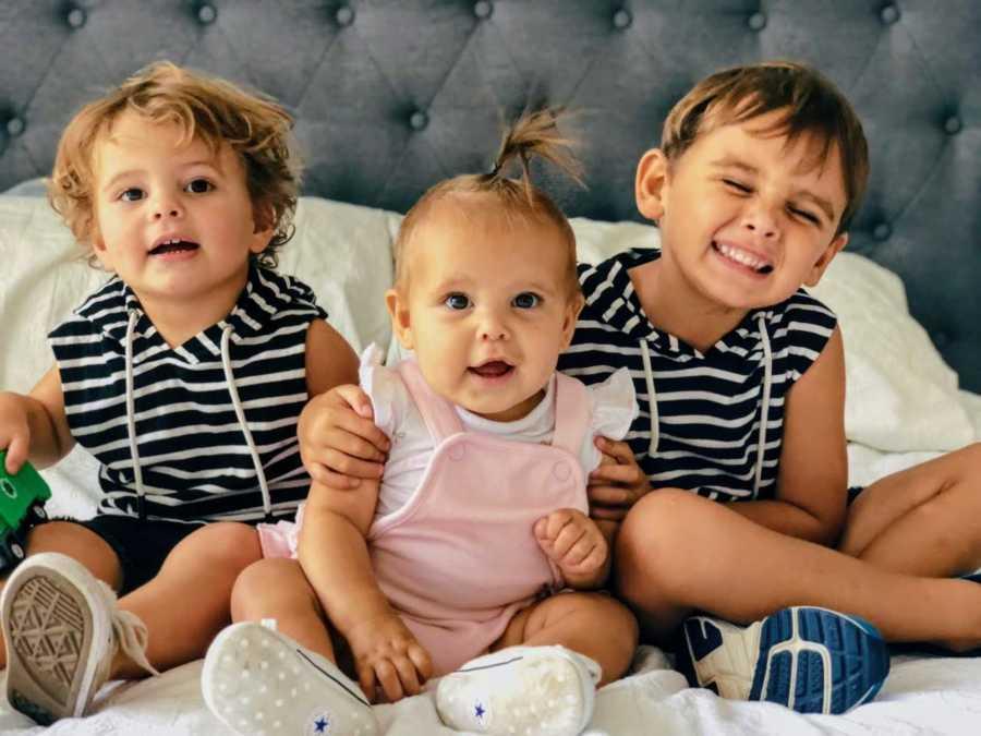 Brat (5) je nosio maleni lijes svoje sestre koja je umrla od neuroblastoma 3