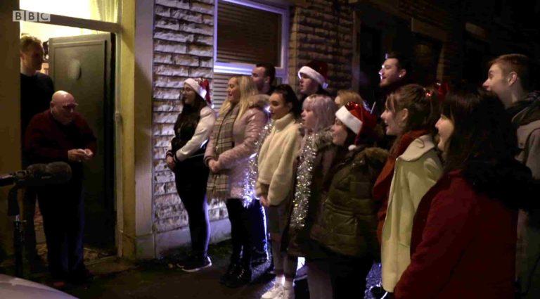 Djed koji je 20 Božića proveo sam se rasplakao kada je vidio iznenađenje studenata 3