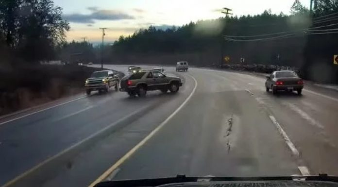 Čudo na cesti: Nevidljiva ruka pomogla vozaču da izbjegne sudar