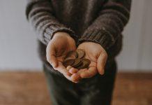 Bog testira kroz financije