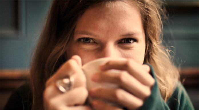 Previše kofeina simptomi