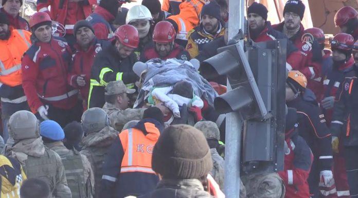 Snažan potres u Turskoj: 22 osobe su poginule, a 1.030 ih je ozljeđeno