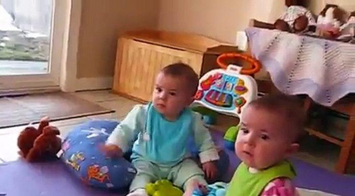 Reakcija blizanki na tatin dolazak s posla će vam rastopiti srce