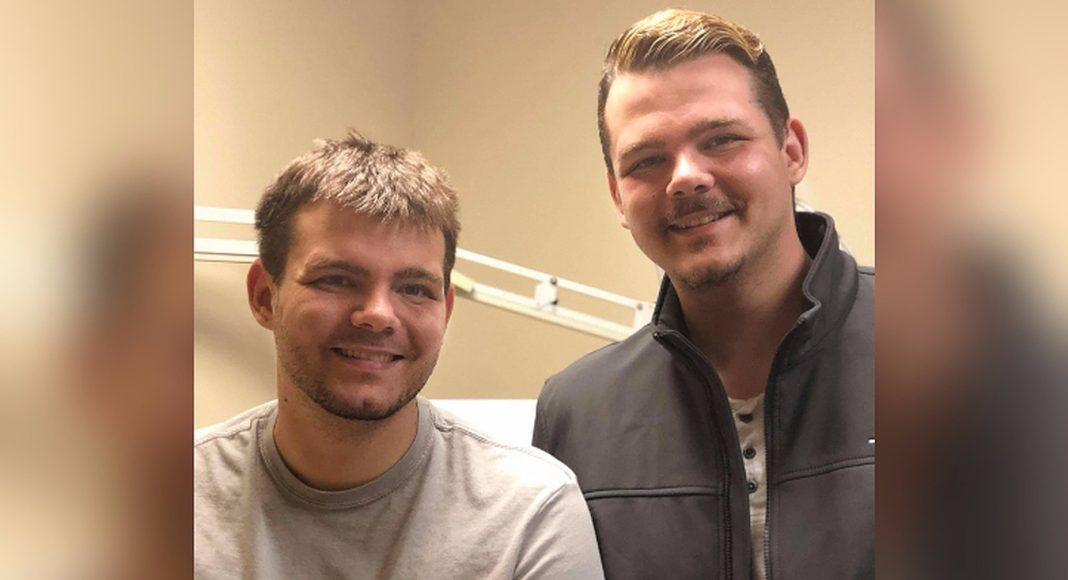 Mladić smršavio 30 kilograma kako bi bratu blizancu donirao bubreg