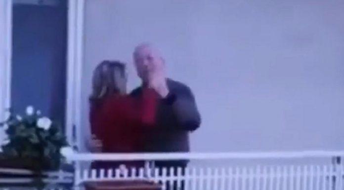Ljubav u doba korone: Baka i djed iz Italije ne dopuštaju da život stane