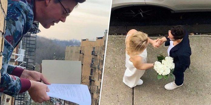 Lezbijski par se vjenčao na praznim ulicama New Yorka