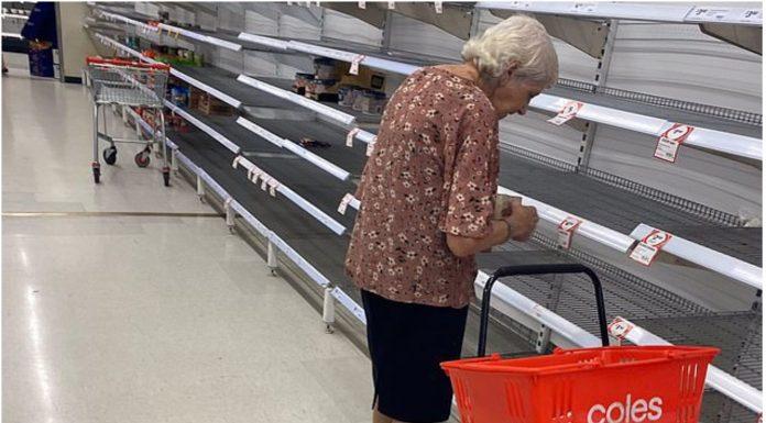 Fotografija tužne bake koja je ostala bez hrane rasplakala internet