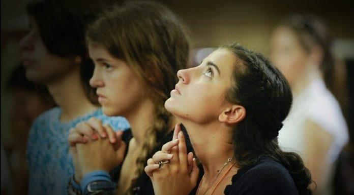 Bože, protresi naša srca i sruši sav ponos