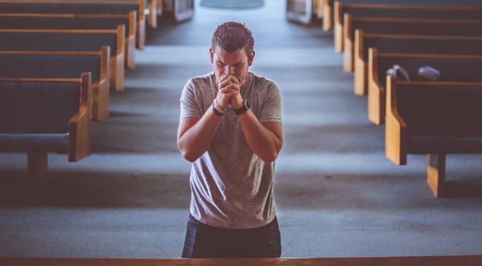 Sad je vrijeme da padnemo na koljena, pokajemo se i vapimo Bogu