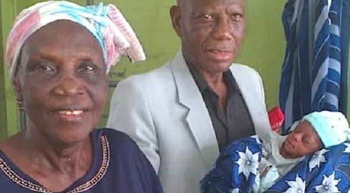 68-godišnja Nigerijka prvi put postala majka, rodila je blizance