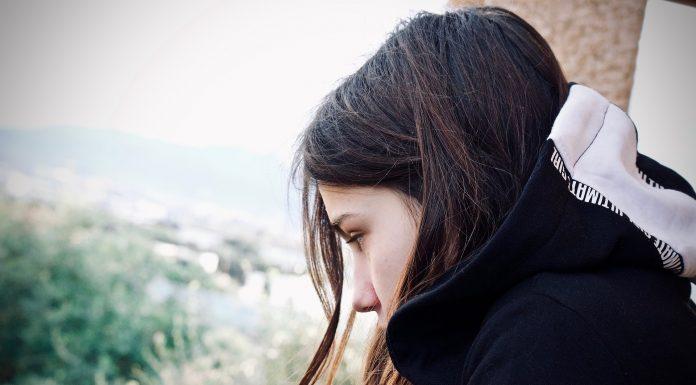 Djevojčica (15) izvršila samoubojstvo zbog stresa u izolaciji