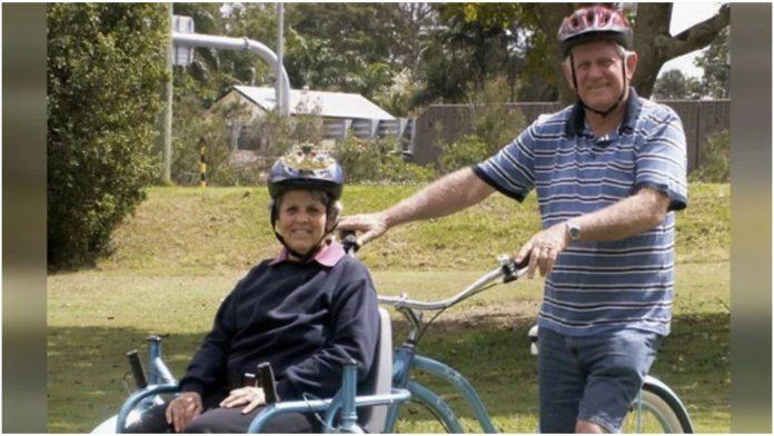 Dizajnirao je poseban bicikl kako bi se mogao vozati s oboljelom suprugom