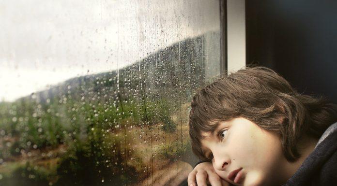 Djeca koju su očevi odbacili imaju velike traume u budućnosti
