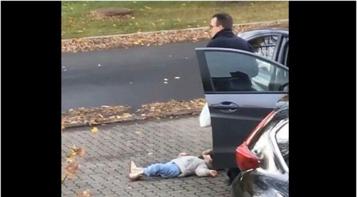 Tvrdoglavo dijete nije htjelo hodati
