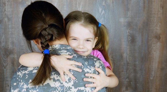 Grljenje i nježnost prema djeci izazivaju snažnu reakciju mozga