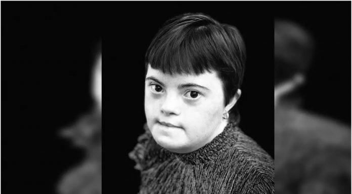 Ponosni otac objavio fotografiju kćerke s Downovim sindromom koja je upravo diplomirala