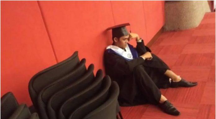 Student se rasplakao jer njegova obitelj nije došla na dodjelu diploma