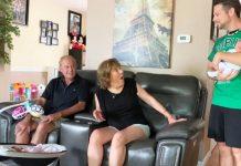 Baka i djed su se šokirali kada im je par otkrio skriveno unuče
