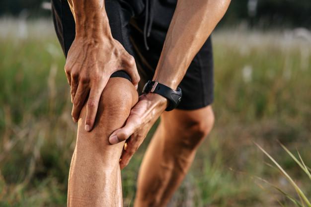 Artritis može uzrokovati bol u koljenu