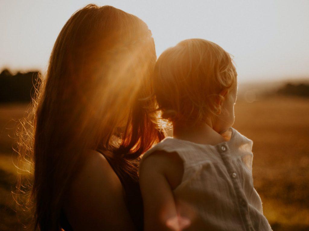 Kako majke mogu moliti za djecu?