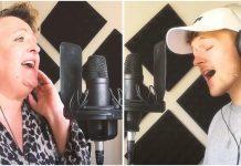Pjevač i njegova majka očarali svijet svojim predivnim duetom
