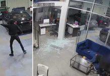 Bio je s troje djece u auto salonu kada su ušle tri osobe i počele pucati
