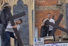 Muškarac pokušao skinuti križ s crkve u Londonu