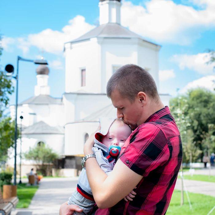 Otac nikada ne bi mogao napustiti svoje dijete