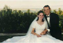 Suprug odao počast preminuloj supruzi