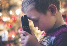 Kako naučiti djecu moliti