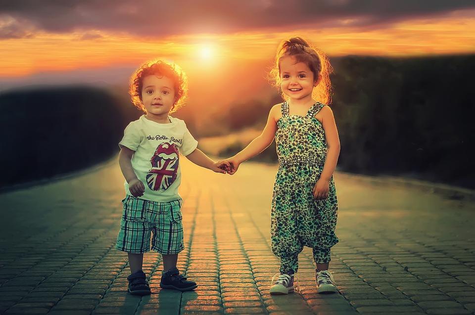 Najveći darkoji možete dati svojoj djeci su korijeni odgovornosti i krila nezavisnosti