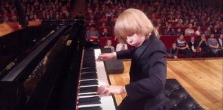 Dječak iz Rusije mali Mozart