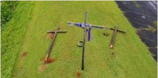 1 od 3 križa ostao upravan