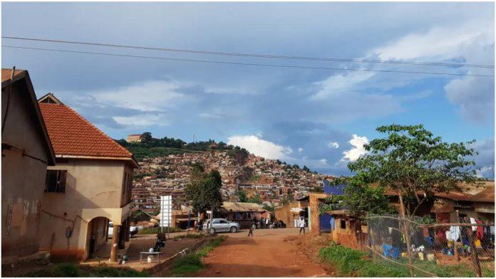 Muž izlio kiselinu na ženu iz Ugande