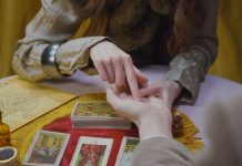 Što Biblija kaže o čitanju iz dlana?