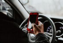 Upotreba mobitela u vožnji